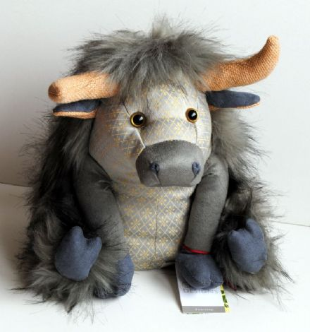 Dora Designs  Silver Angus Highland Cow